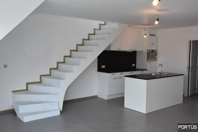 Nieuwbouw duplex-appartement met berging en parking te huur 8513