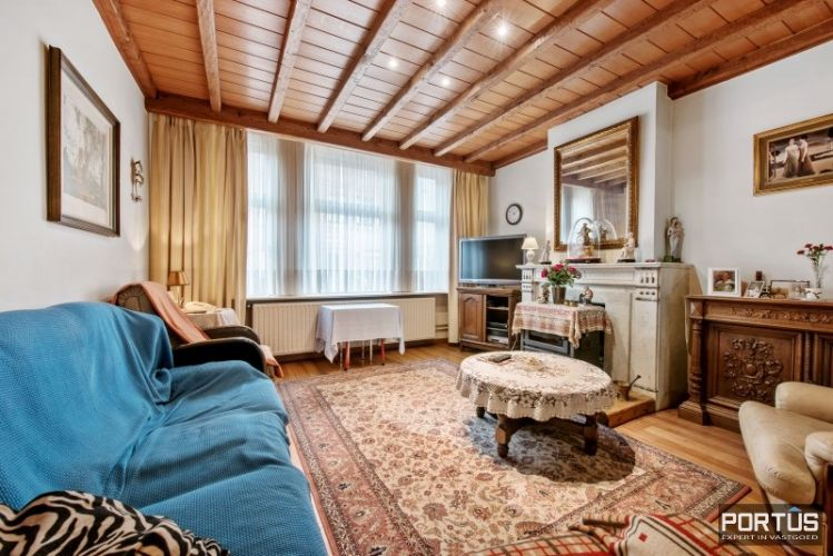 Woning te koop te Nieuwpoort met 7 slaapkamers en 4 garages - 8451