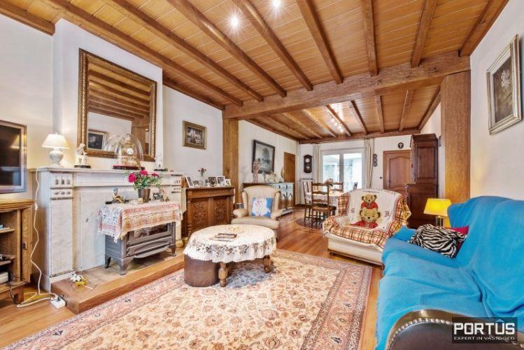 Woning te koop te Nieuwpoort met 7 slaapkamers en 4 garages - 8455