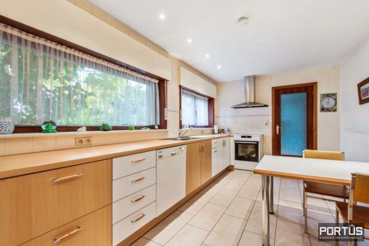 Woning te koop te Nieuwpoort met 7 slaapkamers en 4 garages - 8456