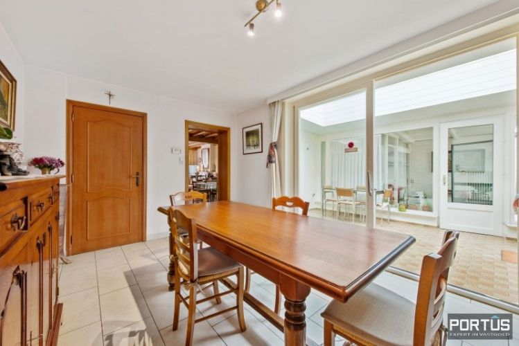 Woning te koop te Nieuwpoort met 7 slaapkamers en 4 garages - 8459