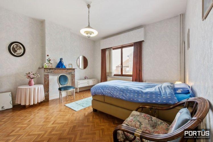 Woning te koop te Nieuwpoort met 7 slaapkamers en 4 garages - 8461
