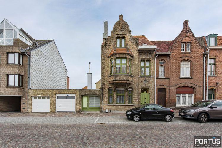 Woning te koop te Nieuwpoort met 7 slaapkamers en 4 garages - 8469