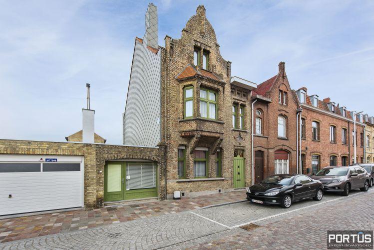 Woning te koop te Nieuwpoort met 7 slaapkamers en 4 garages 8470