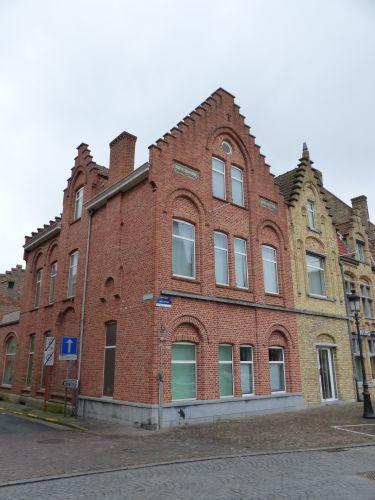 Handelsgelijkvloers met kelder te koop Marktplein Nieuwpoort - 5987
